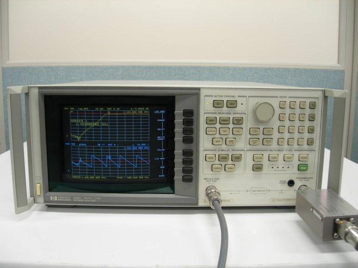 Agilent/HP 8752A 300kHz-3GHz 網路分析儀